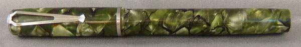 V Clip in Green Marble